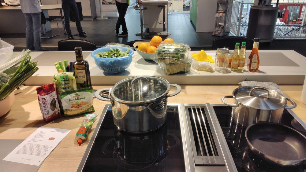 Mitten im Kochevent im Euronics Küchenstudio Alsfeld