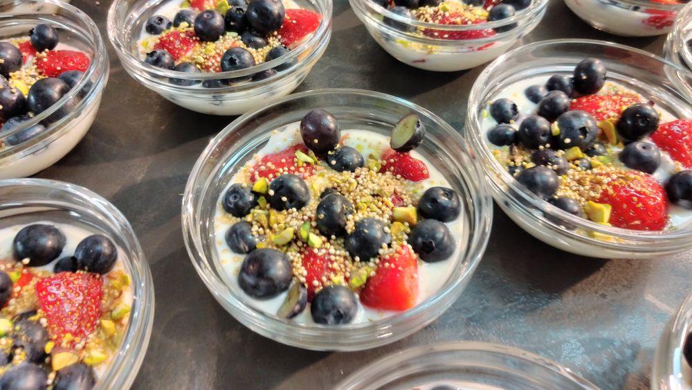 Nachtisch mit Heidelbeeren und Erdbeeren, gekocht im Euronics Küchenstudio Alsfeld